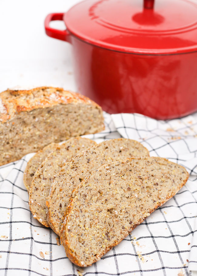 slices of no knead multigrain bread
