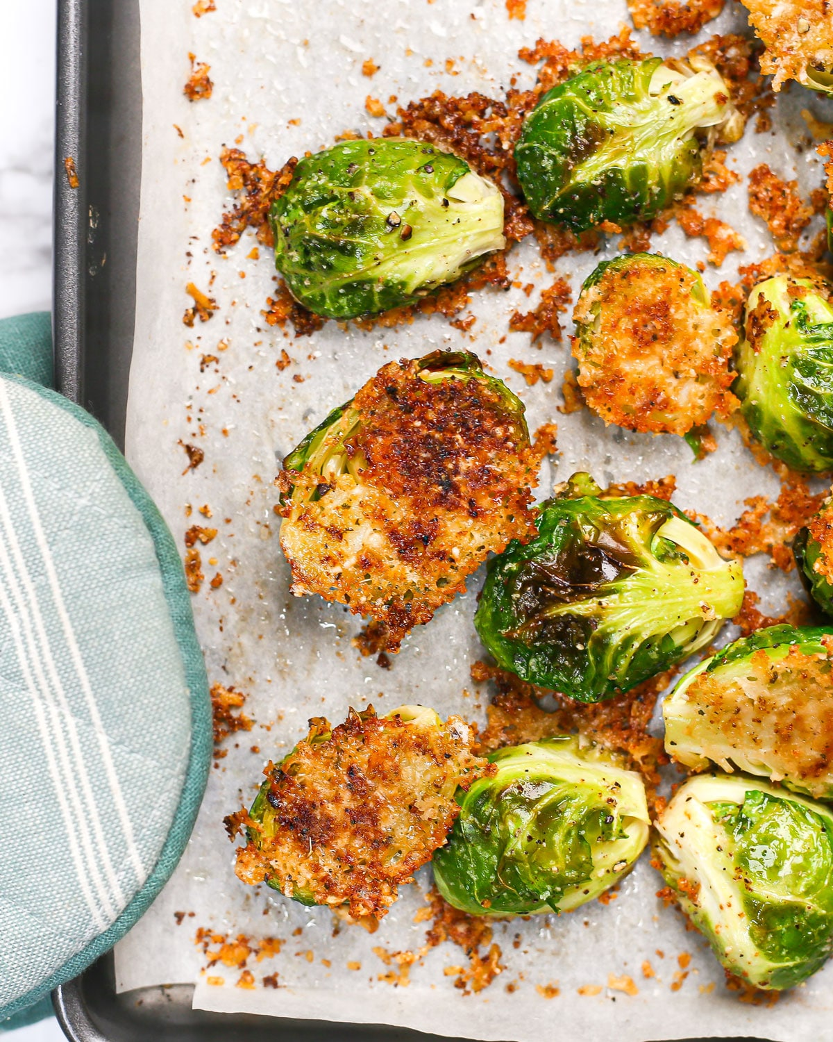 closeup of crispy parmesan roasted brussels sprouts